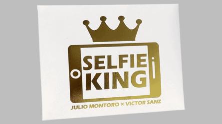 Hanson Chien Presents Selfie King by Julio Montoro and Victor Sanz